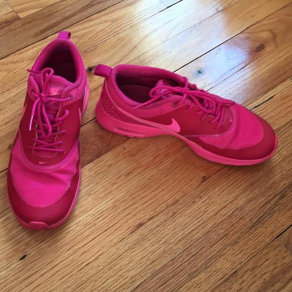 Hot pink NIKE Air Max Thea